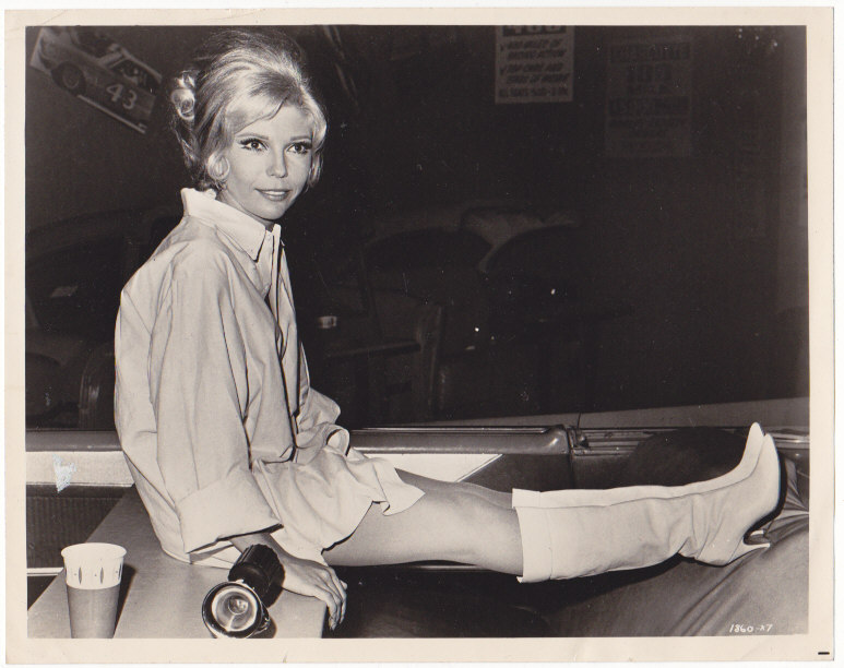 Nancy Sinatra Press Photo